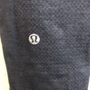 lululemon athletica Pants - Lululemon gray crop leggings sz 4 60693